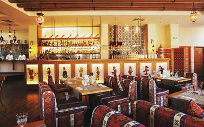 Банкетный зал бара, ночного клуба, ресторана Марадона (Maradona) на Саввинской набережной