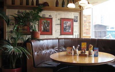 Банкетный зал бара, пивного ресторана Пражечка на улице Маршала Василевского