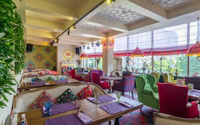 Банкетный зал ресторана Чайхана Павлин-Мавлин на улице Строителей фото 1