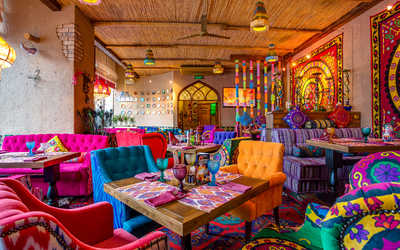 Банкетный зал ресторана Чайхана Павлин Мавлин на улице Большой Академической фото 1