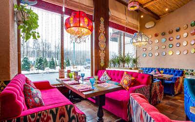 Банкетный зал ресторана Чайхана Павлин Мавлин на улице Большой Академической фото 2