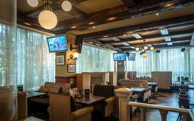 Банкетный зал пивного ресторана Темпл Бар на улице Маршала Катукова