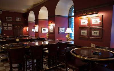 Банкетный зал бара, паба, пивного ресторана, стейк-хауса Джеймс Кук (James Cook) на Каменноостровском проспекте