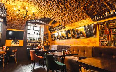 Банкетный зал пивного ресторана Брассерия Крик (Brasserie Kriek) на Итальянской улице