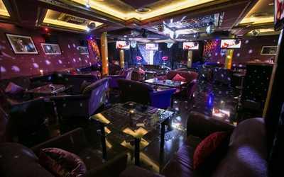 Банкетный зал бара Шаляпин караоке-клуб на проспекте Просвещения фото 3