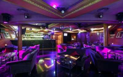 Банкетный зал бара, караоке клуба Шаляпин караоке-клуб на проспекте Просвещения