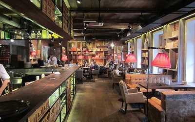 Банкетный зал бара, кафе, ресторана Библиотека (Biblioteka) на Невском проспекте фото 3