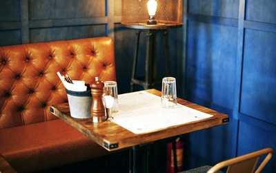 Банкетный зал бара, ресторана Funky Kitchen (Фанки Китчен) на Малом проспекте П.С. фото 2