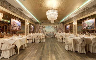 Банкетный зал ресторана Абрикос на проспекте Энгельса