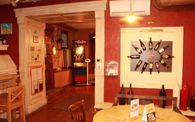 Банкетный зал паба, пивного ресторана Craft Bier (Крафт Бир) на Гагаринской улице