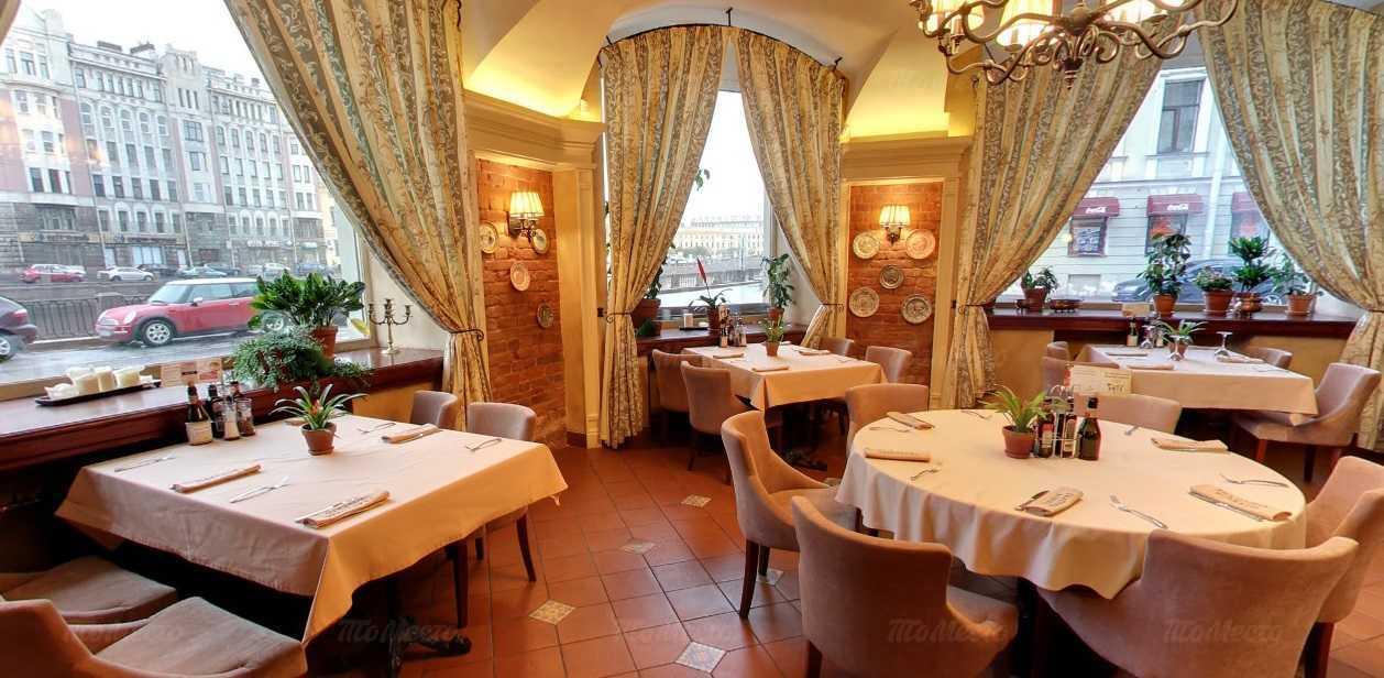 Ресторан Траттория Роберто (Trattoria Roberto) на набережной реки Фонтанки фото 5