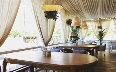 Банкетный зал кафе, ресторана Кафе Прованс (Cafe Provence) на улице Нахимовой