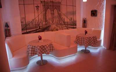 Банкетный зал ресторана La taverna POMODORI на улице Кораблестроителей