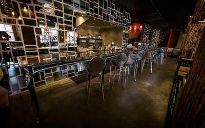 Банкетный зал ночного клуба, ресторана For people by people (PPL) на Якиманской набережной