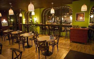 Банкетный зал кафе Any Pasta (Эни Паста) на Большой Пушкарской улице
