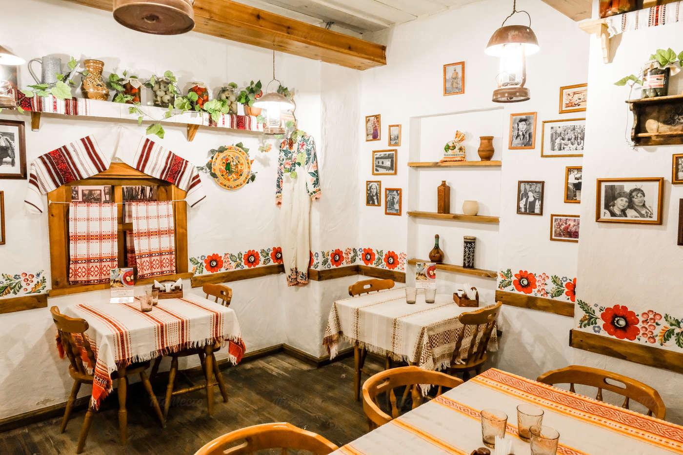 Ресторан Веселая кума на улице Костиной фото 6