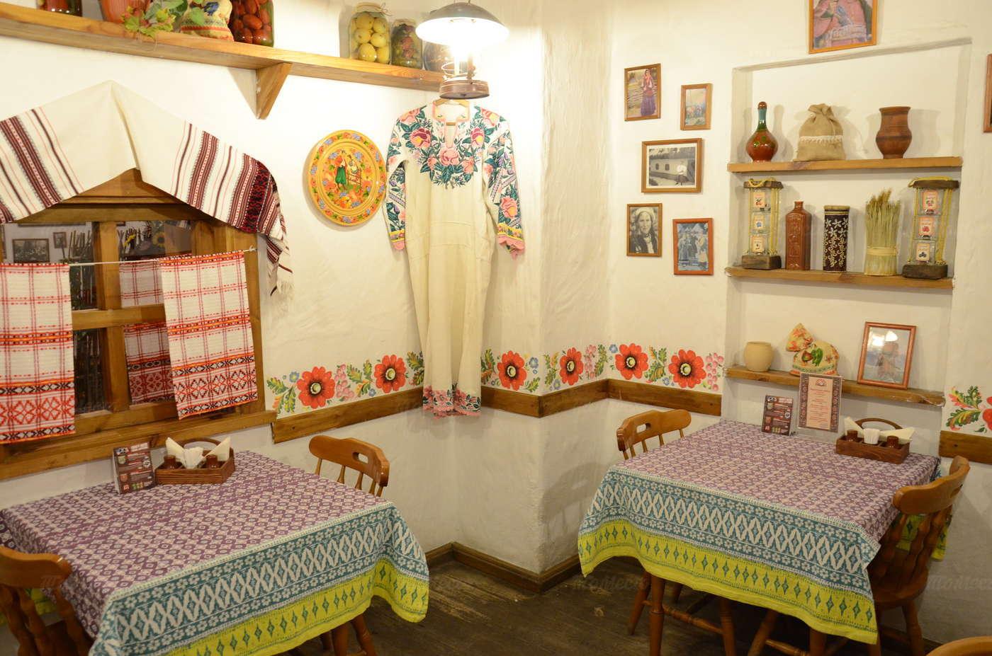 Ресторан Веселая кума на улице Костиной фото 3