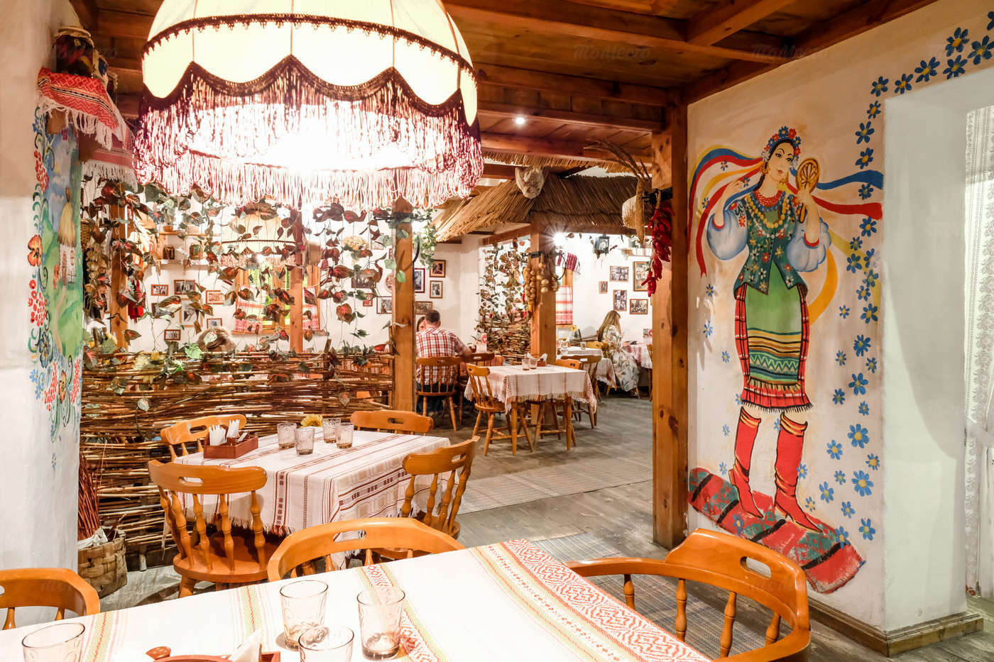 Ресторан Веселая кума на улице Костиной фото 4