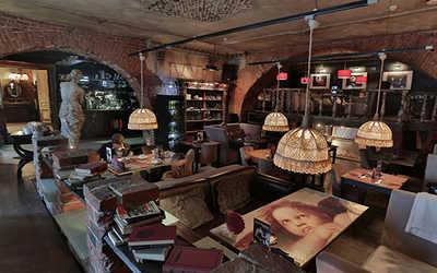 Банкетный зал кафе Безухов (Беzухов) на Рождественской улице фото 2