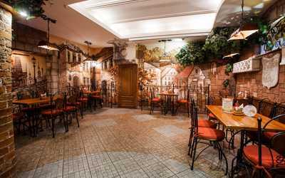 Банкетный зал пивного ресторана Дружкова кружка (PRAHA) на Большой Покровской улице фото 1