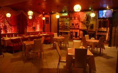 Банкетный зал бара, кафе Кураж на улице Красных Зорь фото 3