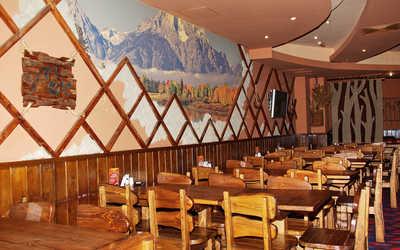 Банкетный зал пивного ресторана КабанчикЪ на улице Луначарского фото 1