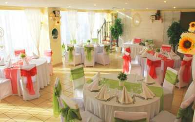 Банкетный зал ресторана LeTo (Лето) на Большеохтинском проспекте