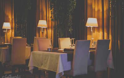 Банкетный зал бара, караоке клуб, пивного ресторана Mon Ami на Белоостровской улице