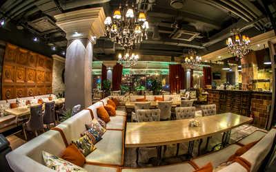 Банкетный зал паба, стейка-хауса БифТайм (BeefTime) на проспекте Мира