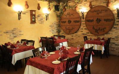 Банкетный зал ресторана Кавказ на улице Стахановцев фото 1