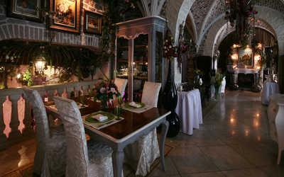 Банкетный зал ресторана Chateau de Fleurs (Шато де Флер) на Ломоносовском проспекте