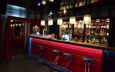 Банкетный зал бара, ночного клуба Мама не горюй на Лиговском проспекте