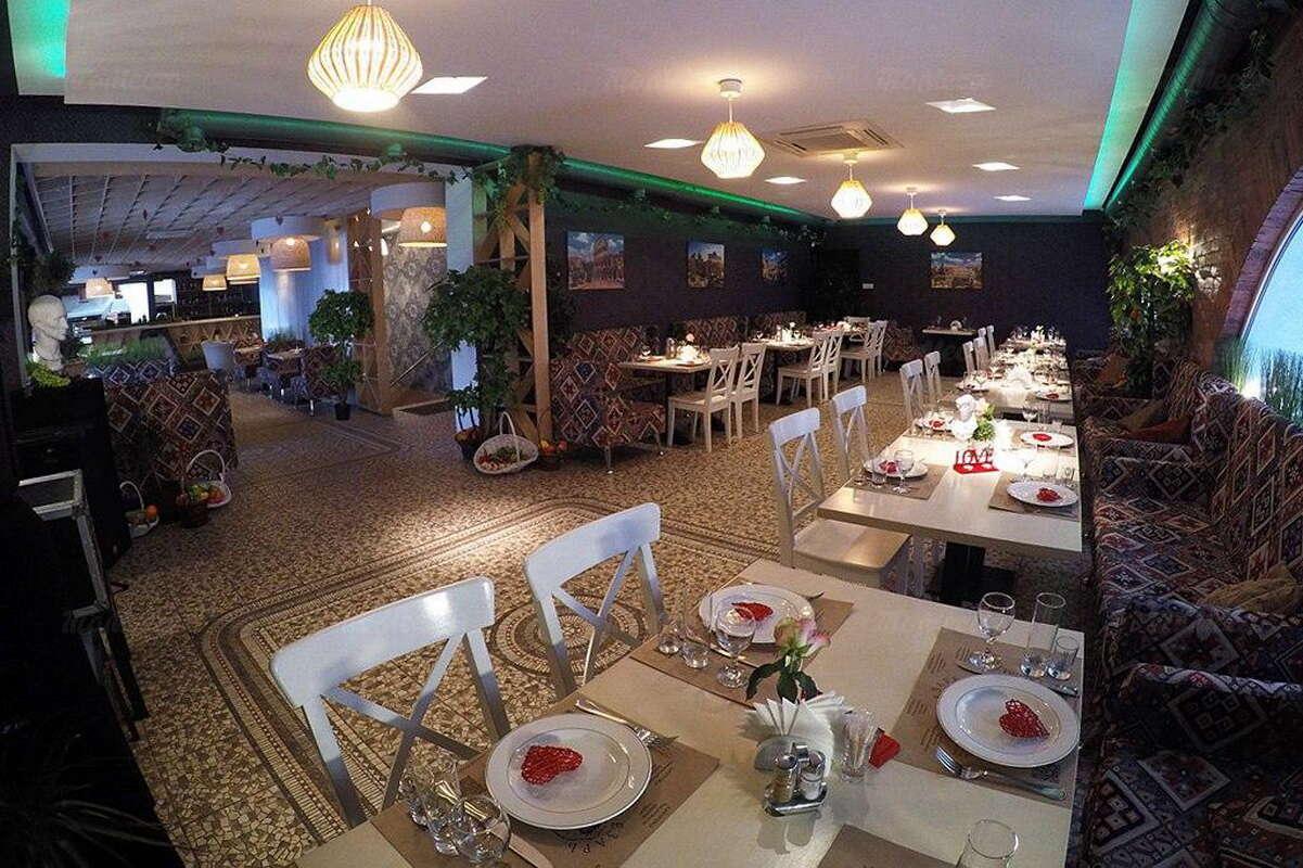 Ресторан Цезарь (Саesar) на улице Димитровой