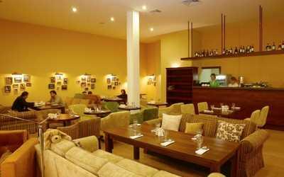Банкетный зал ресторана Family (Фэмили) на Кондратьевском проспекте