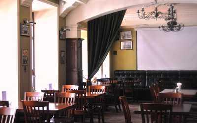 Банкетный зал бара SABOTAGE (бывш. Зеленый Король) на улице Ленина