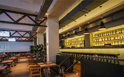 Банкетный зал бара, ресторана Coin hall (Коин холл) на Пятницкой улице фото 2