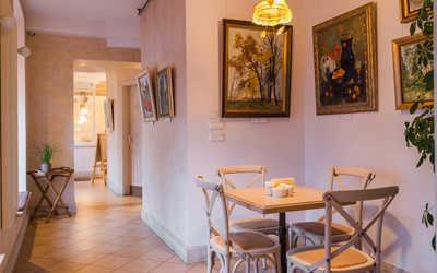 Банкетный зал кафе Est!Cafe в набережной Крюковой канале