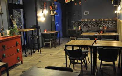 Банкетный зал ресторана Shaggy Dog (Шагги Дог) на улице Льва Толстого