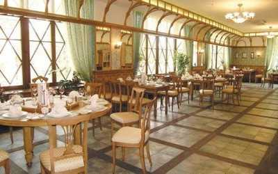 Банкетный зал ресторана Троекуров на улице Малышева фото 1