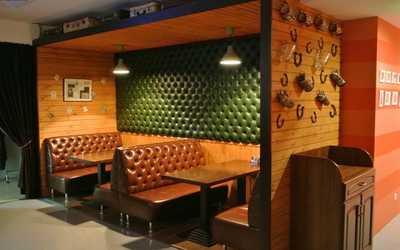Банкетный зал бара, ресторана Копыто на улице Маминой-Сибиряке фото 3