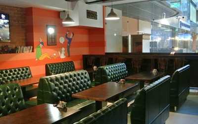 Банкетный зал бара, ресторана Копыто на улице Маминой-Сибиряке фото 1