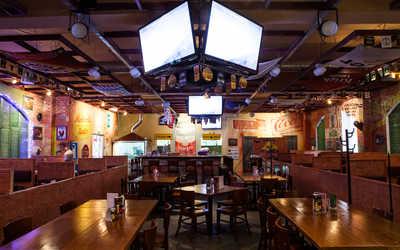 Банкетный зал паба Big Papa's (бывш. Кадиллак бар) на Новоколомяжском проспекте фото 1
