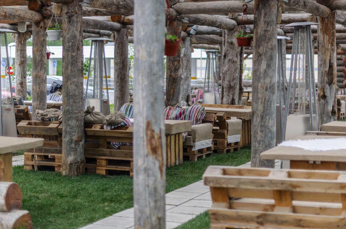 Ресторан Гуси-Лебеди на Коломяжском проспекте фото 3