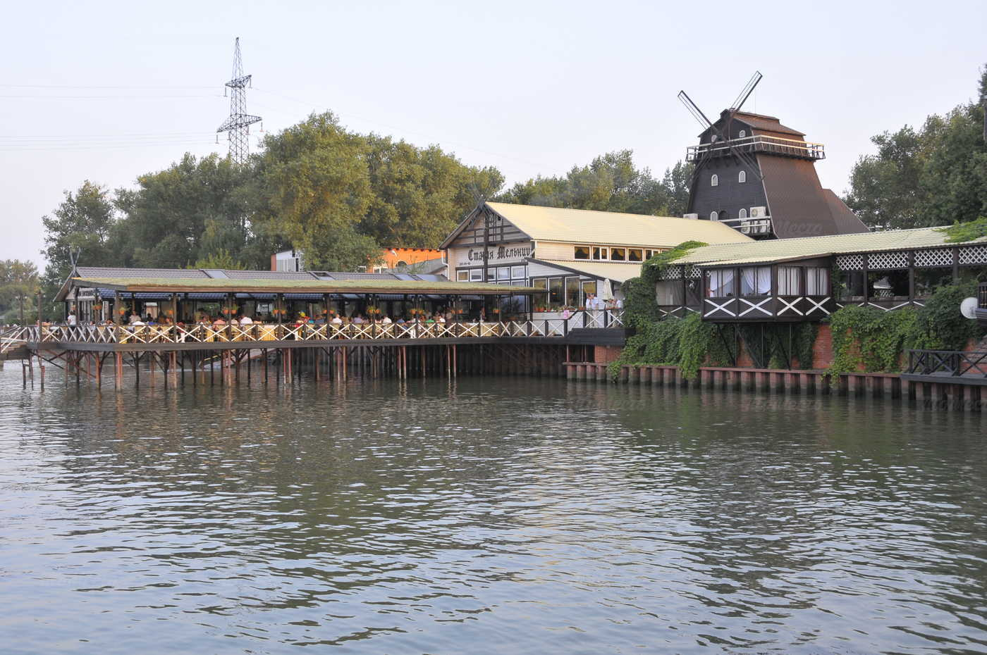 Банкетный зал ресторана Старая Мельница на Левобережной улице фото 14