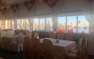 Банкетный зал кафе Мир на Береговой фото 1