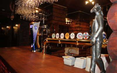 Банкетный зал ресторана Конь в пальто в Российском фото 2