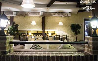 Банкетный зал ресторана Хмели-Сунели в Энгельсе фото 2