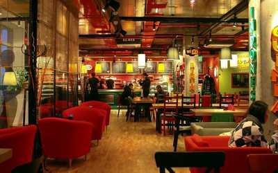 Банкетный зал кафе Mambocino (Мамбочино) в Мусиной фото 1