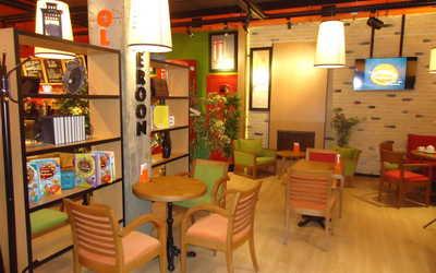 Банкетный зал кафе Mambocino (Мамбочино) в Победах фото 1