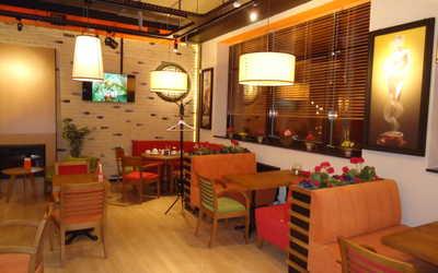 Банкетный зал кафе Mambocino (Мамбочино) в Победах фото 2